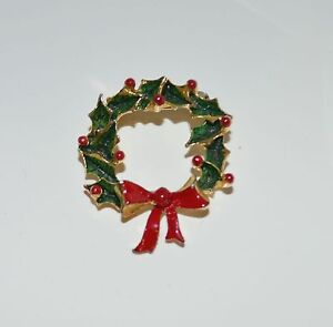 Holly-Wreath-Red-Ribbon-Gold-Tone-Metal-Pin-Brooch-tie-Back