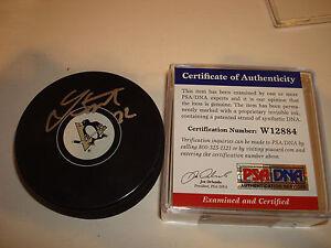 Lee Stempniak Signed Pittsburg Penguins Hockey Puck PSA/DNA COA Autographed a