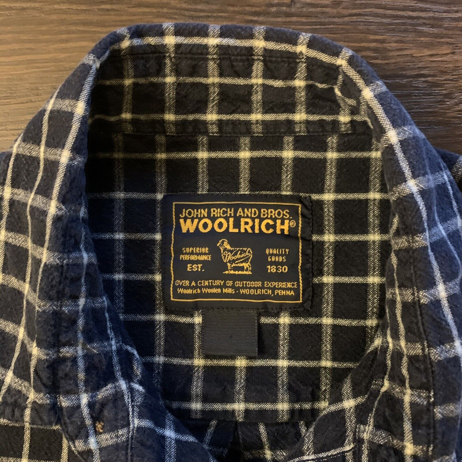 Vintage Men's WOOLRICH JOHN RICH AND BROS.  Shirt… - image 3