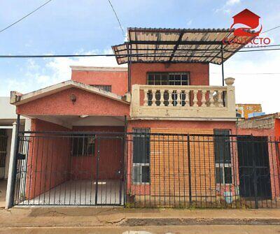 CASA MUY AMPLIA AL NORTE CENTRO DE LA CIUDAD