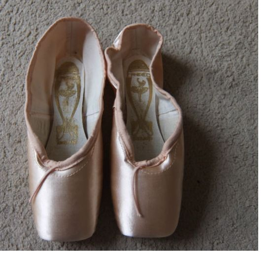 Pink Satin Freed Classic / pro pointe shoes - Size 7X 7XX, 7XXX - all makers