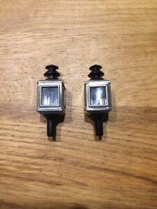 Paire-de-petites-Lanternes-carres-pour-voitures-Carette