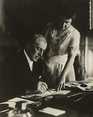 Historical Memorabilia President Woodrow Wilson At Desk With Wife Edith 8x10 Silver Halide Photo Print Dependable Performance Other Historical Memorabilia