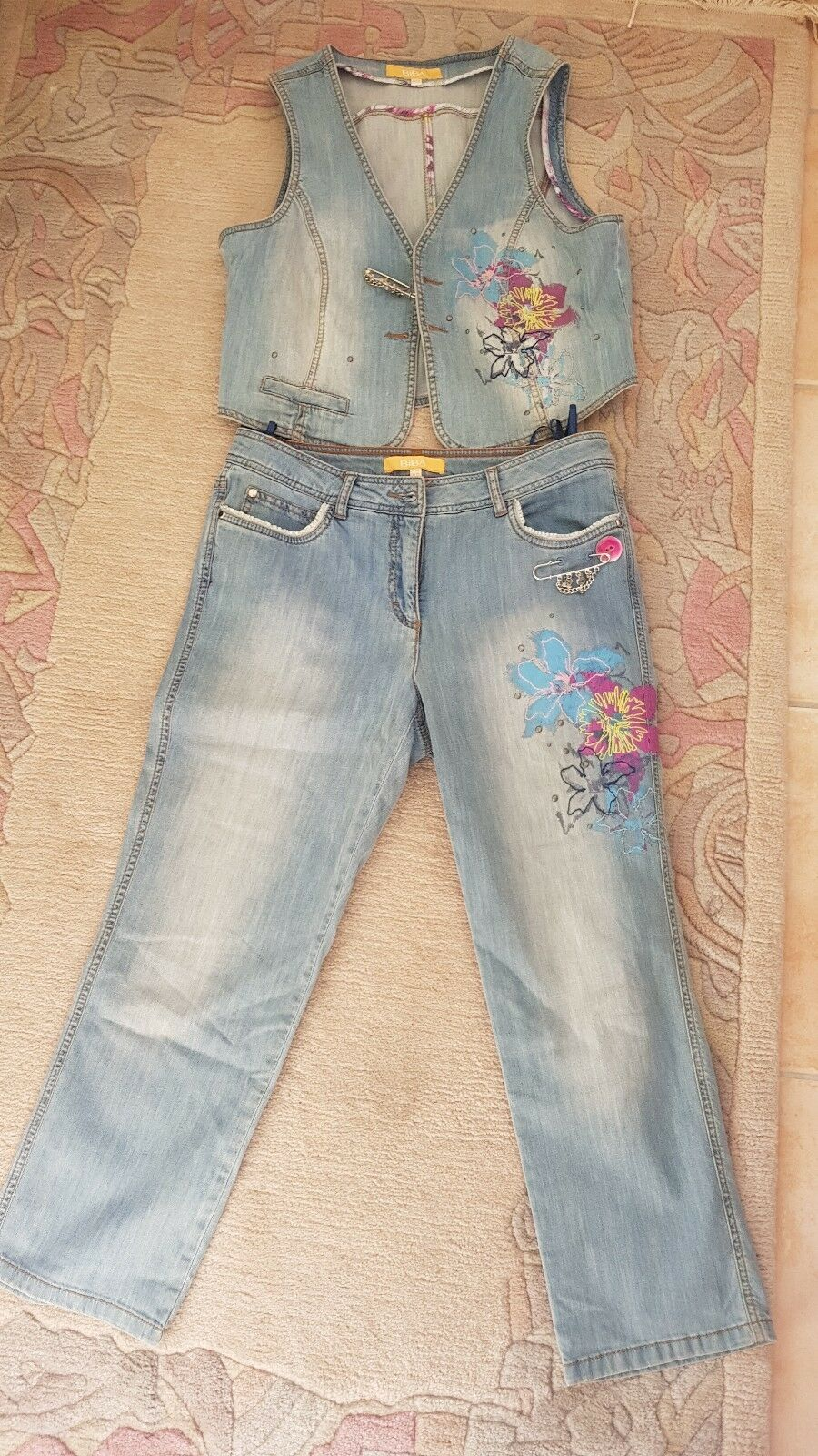 Biba Jeans mit passender Weste
