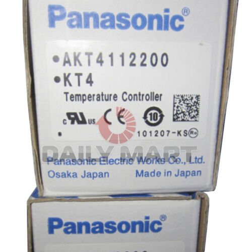 New PANASONIC AKT4112200 KT4 Temperature Controller 100-240 VAC Transistor Out