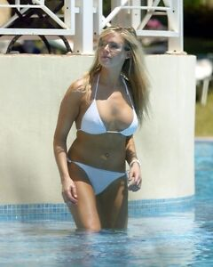 Free bikini candid pic