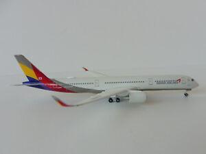 Airbus-A350-900-Asiana-Airlines-XWB-1-500-Herpa-529983-A-350-A350XWB