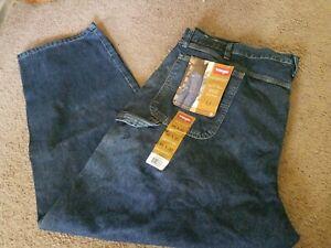 NWT Wrangler Men/'s Big /& Tall Carpenter Loose Straight Medium Blue Denim Jeans
