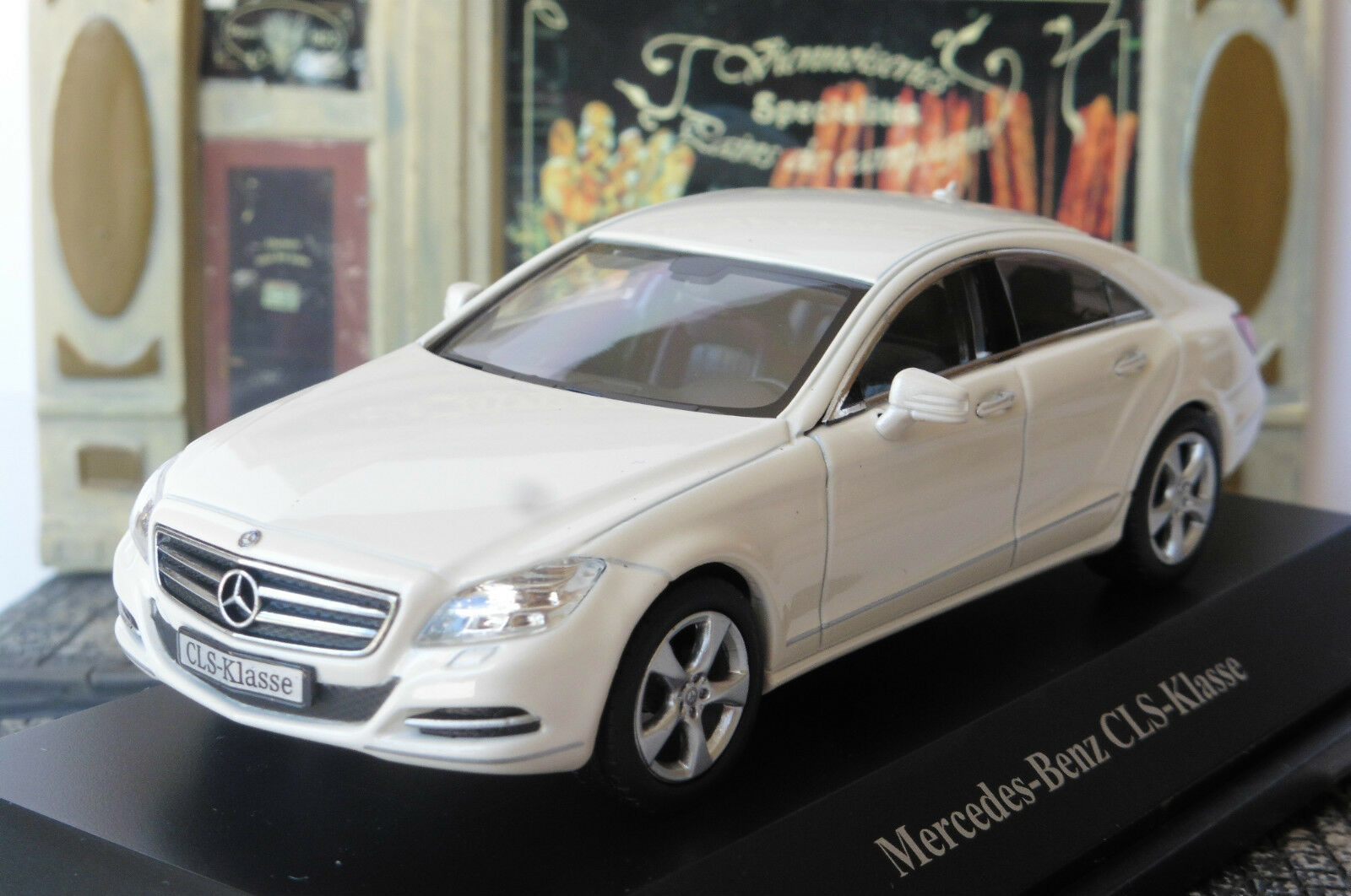 MERCEDES BENZ CLS KLASSE COUPE 2010 C204 DIAMOND blanc METAL NOREV B66961294