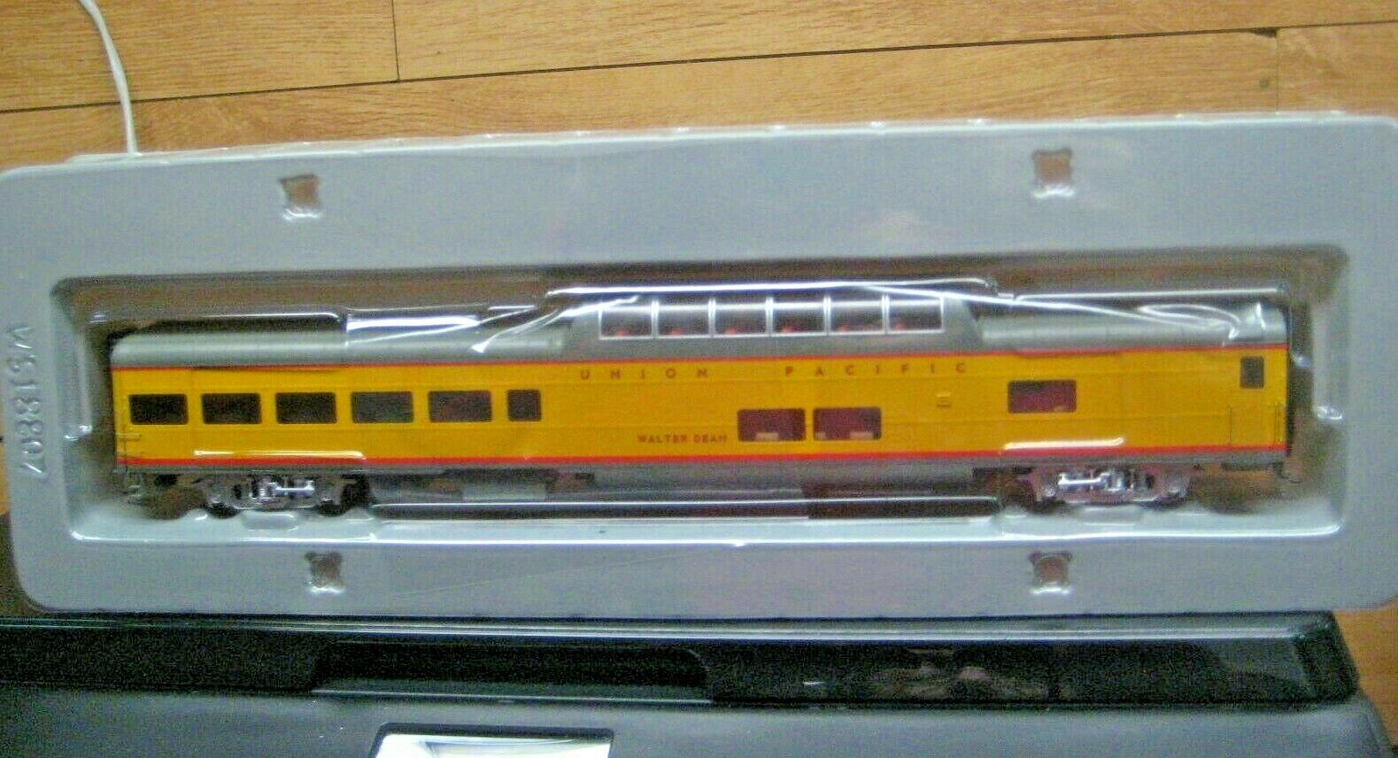 HO WALTHERS ProssoO  85' ACF DOME  LOUNGE  UP UNION PACIFIC   92018205 HERITAGE