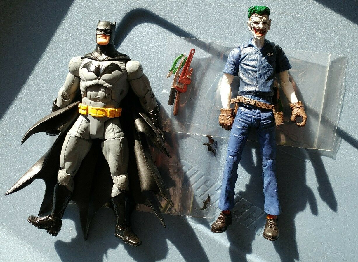 Dc collectibles greg capullo batman and super villain joker action figures