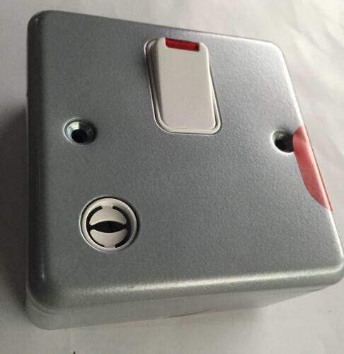 MK Metal Clad Isolator DP Switch Flex Outlet Neon K5242 Workshop Garage Shed