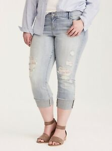 5640fc7b323 Cropped Boyfriend Jeans Light Wash with Lace Underlay Plus Size 22R ...