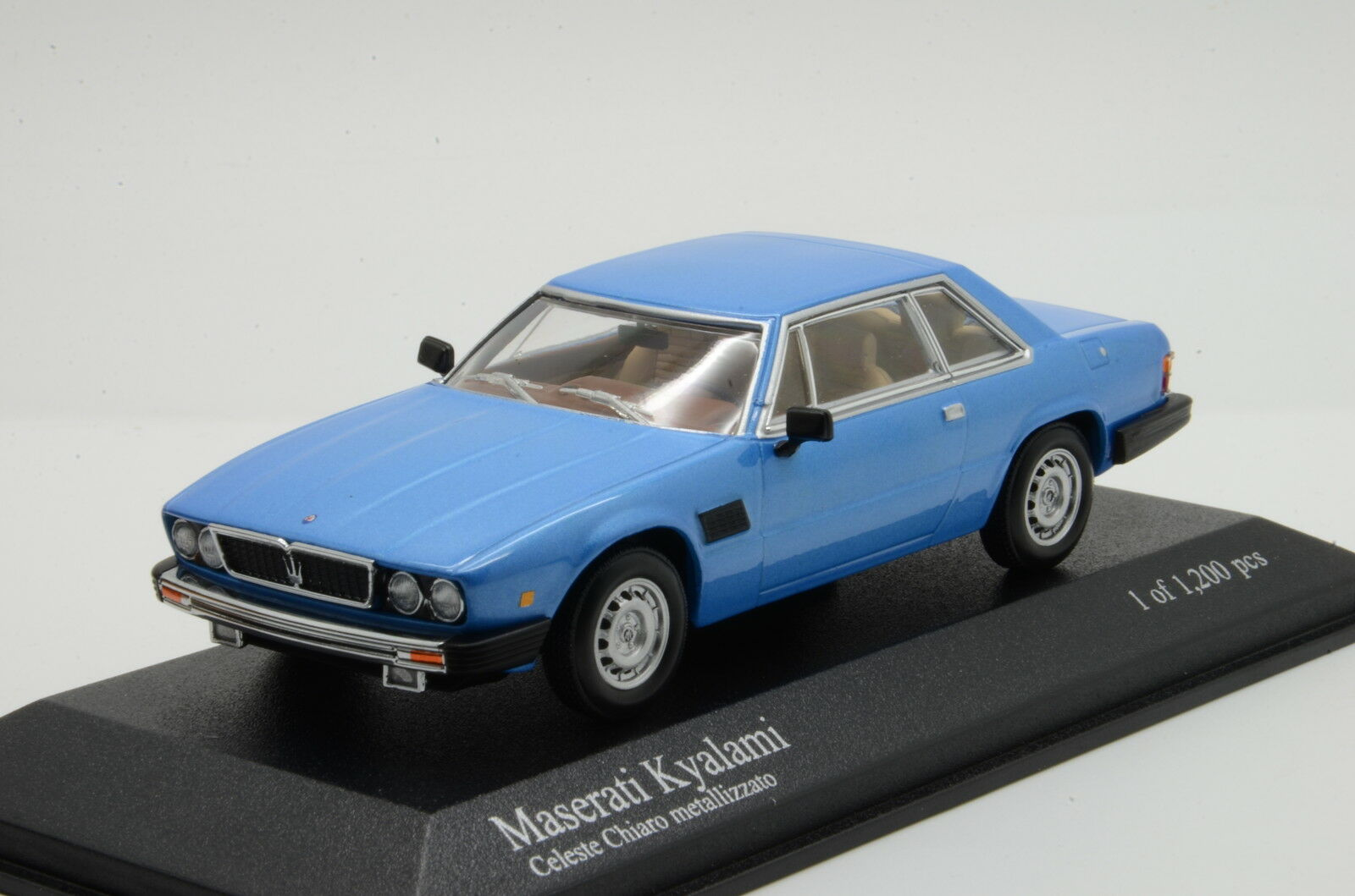 Maserati Kyalami Light Blau Minichamps 1 43