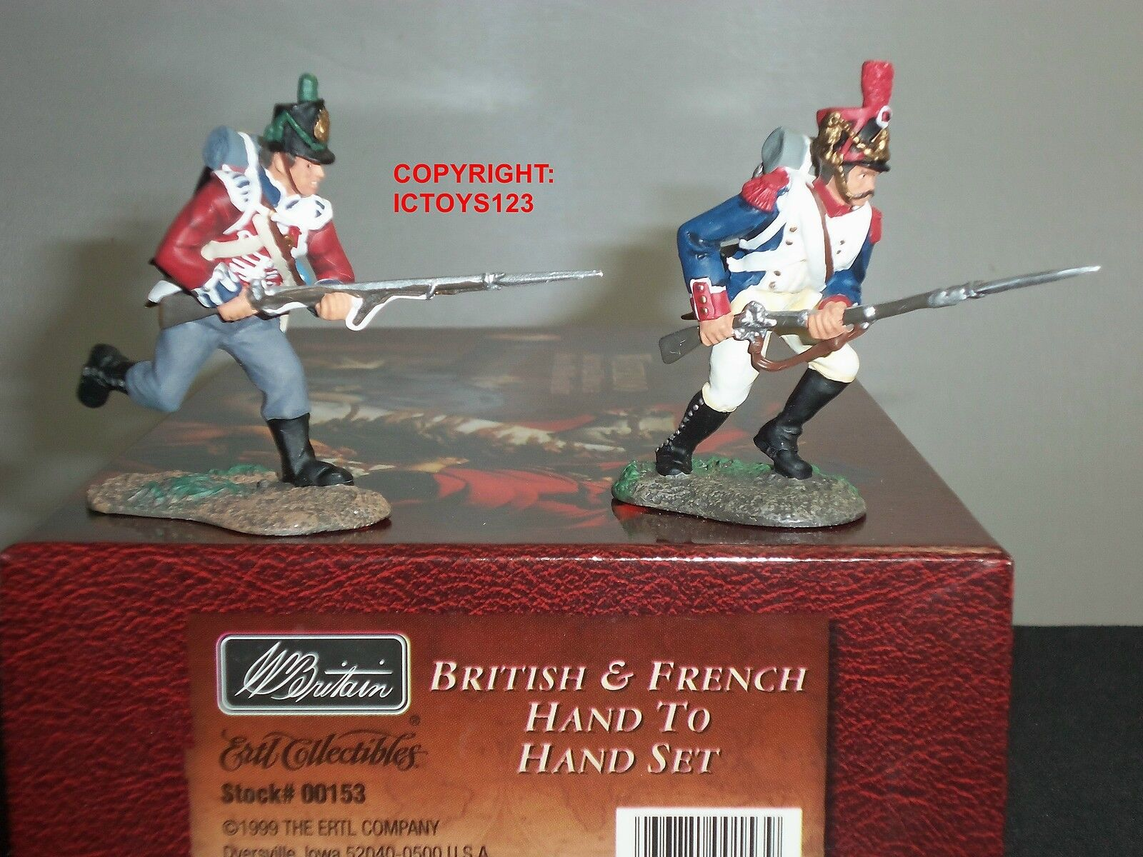 BRITAINS 00153 NAPOLEONIC WAR BRITISH + FRENCH HAND TO HAND TOY SOLDIER SET
