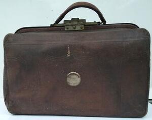 Antique-Doctor-Vintage-Leather-Bag-or-Medical-Case-Satchel-or-Travel-Bag