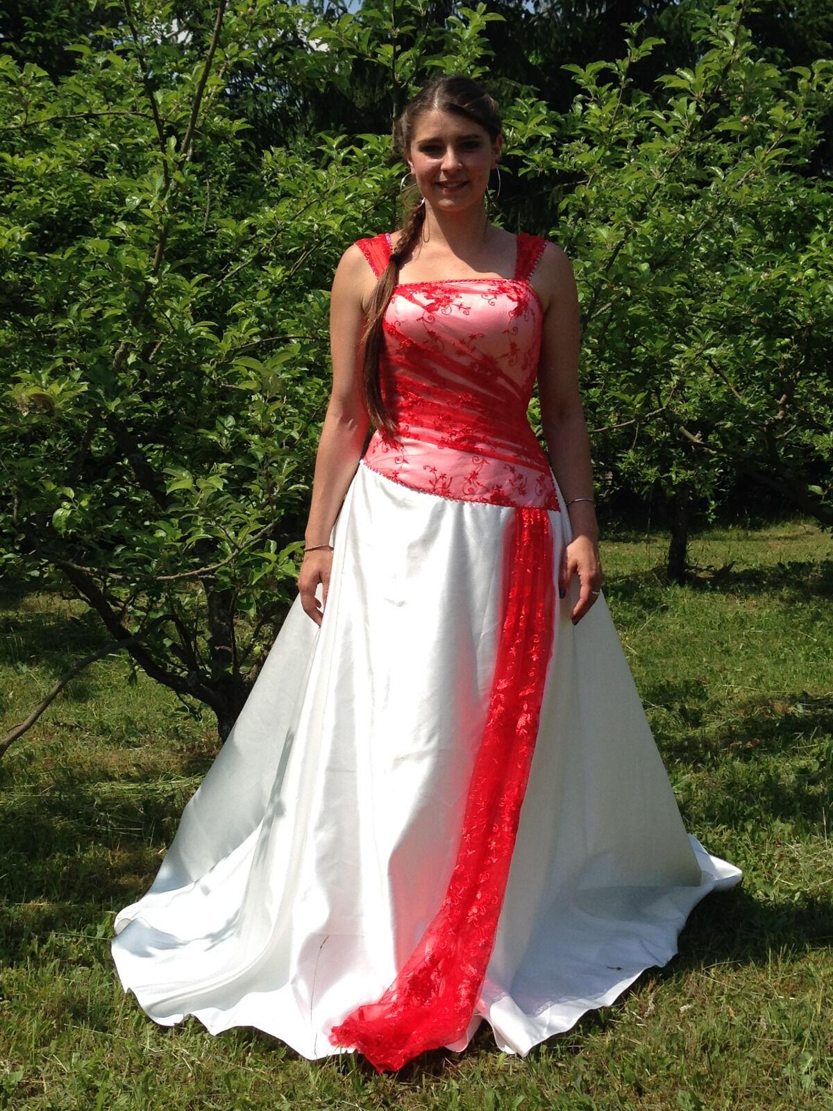 Hochzeitskleid Nagelneu ungetragen Weiß mit dezentem klarem Rot