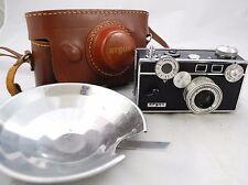 Vintage ARGUS C3 Rangefinder Film Camera - Leather Field Case - Blue Tinted Lens