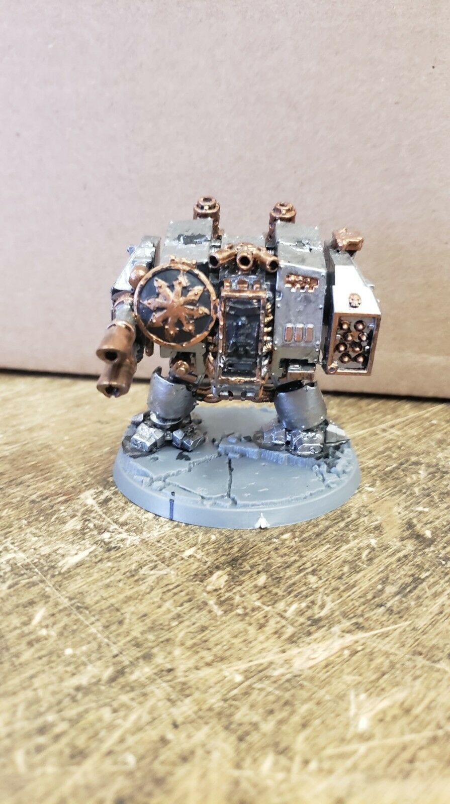 Pre-Painted - Warhammer  40k Chaos Dreadnought  outlet in vendita