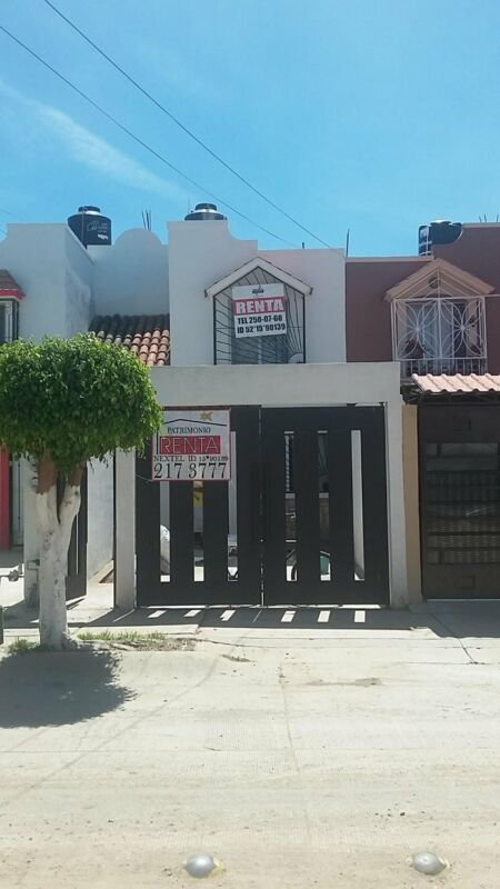 Renta Casa por Blvd Delta EQUIPADA 2 recamaras  Colinas del Carmen Leon Gto