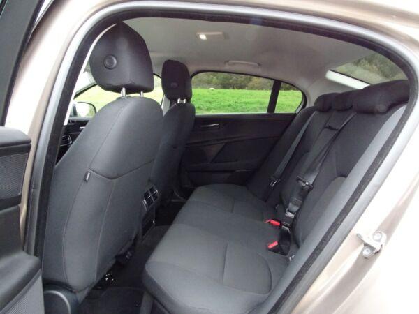 Jaguar XE 2,0 P200 Pure aut. billede 6