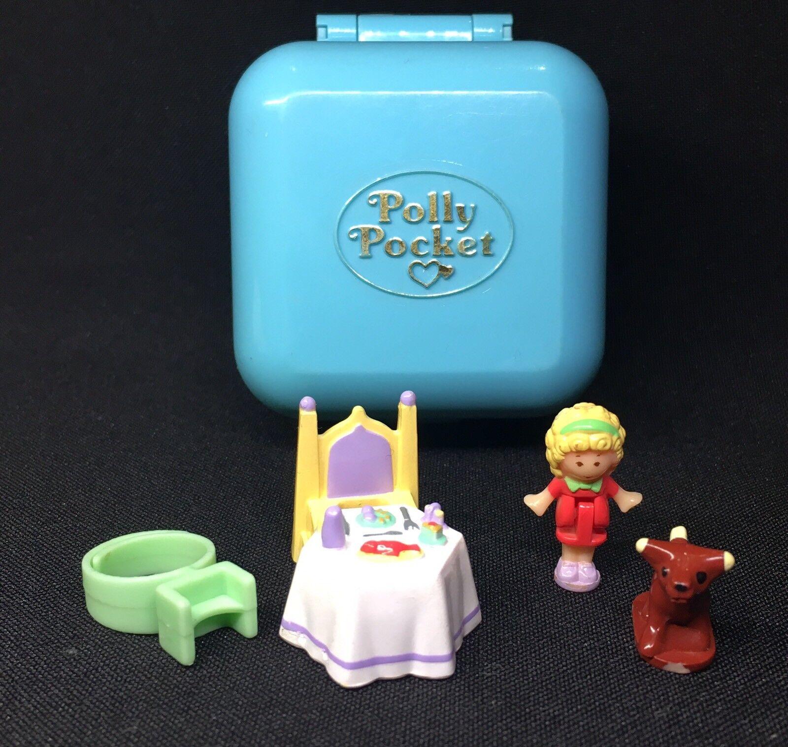 Polly Pocket Mini   1991 - Dinnertime  Ring Case 17.2.