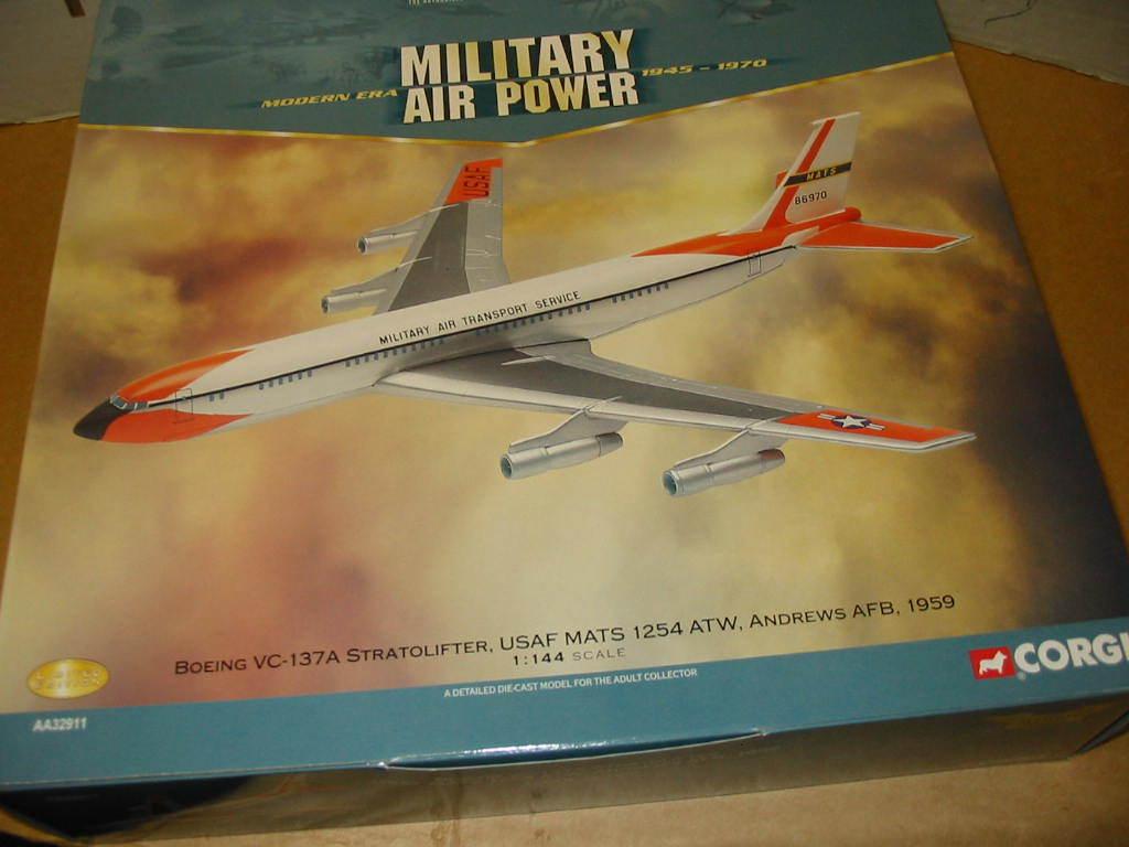 Corgi AA32911 - Boeing VC 137A Stratolifter USAF MATS 1254 ATW Andrews AFB 1959