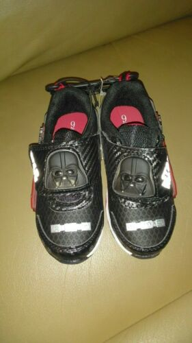 NWT DISNEY   STAR WARS Black Light-Up Sneakers Shoes Lights NWT Boys Size 8,9,11