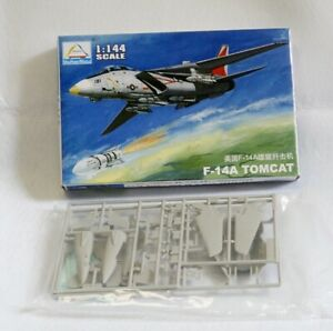 Aircraft Fighter Military Model Assemble Kit 1//144 US F-14A TOMCAT fighter 80408
