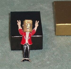 Vintage Metal Richard Nixon Pin Flip Up Paper Bag Pin