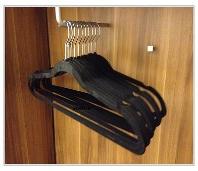 20x Kleiderbügel Schwarzer Samtbezug Rutschfeste Bügel Aufhänger Hosenstange HüBsch Und Bunt