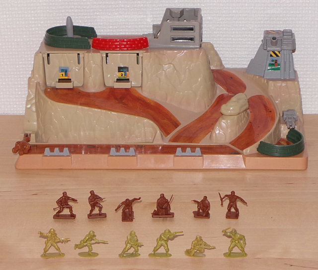 MicroMachines Military Battle Fortress Playset, Galoob…