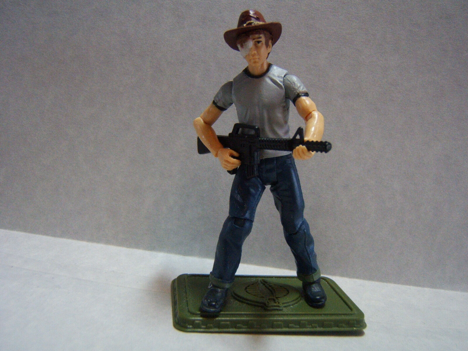 ¡No dudes! ¡Compra ahora! Personalizado 3.75  The The The Walking Dead Figura De Cochel Grimes-Poseable & listo para ir  despacho de tienda