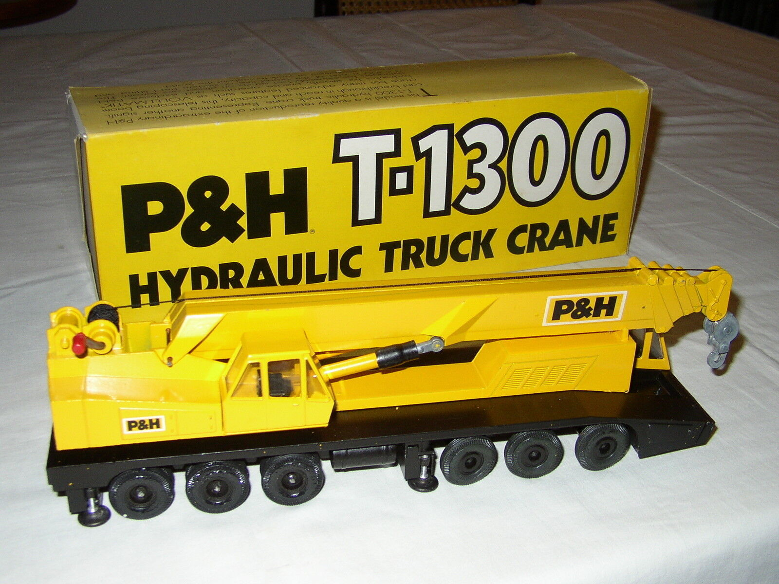 P&H T-1300 HYDRAULIC TRUCK CRANE NEAR MINT CON BOX - GESCHA CONRAD - 150