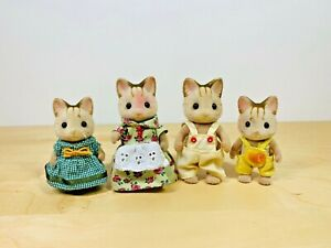 Sylvanian-Families-Macavity-Cat-Family-Alonzo-Cassandra-Mistoffelees-Grizabella