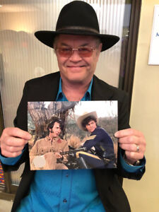 MICKY-DOLENZ-DIRECT-2U-HEAD-8x10-MOVIE-PHOTO-2-SIGNED-TO-YOU-THE-MONKEES