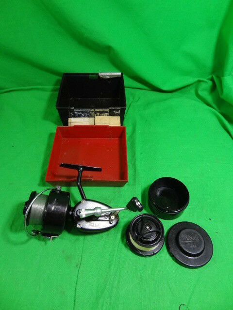 Vintage GARCIA MITCHELL 300 Spinning Fishing Reel +Box & Extra Spool France Made