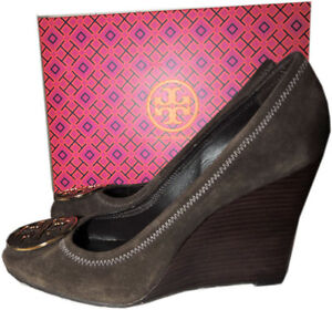 024089dc95542e  285 Tory Burch Sophie Brown Wedge Pumps Round Logo Shoe 10 - 40