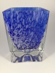 Handblown-Cobalt-Blue-Vase-Art-Glass-Has-Heavy-Clear-Bottom-Beautiful-EUC