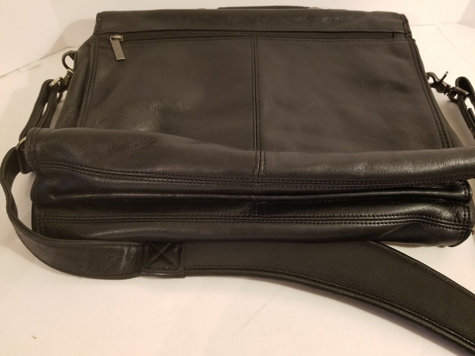 bff4c2c05 Kenneth Cole Manhattan Leather Messenger Briefcase Laptop Bag Black 520265  for sale online | eBay