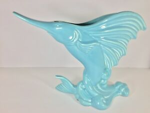 Vintage-Swordfish-Marlin-Blue-Ceramic-Vase-Royal-Haeger-USA-Mid-Century-Nautical