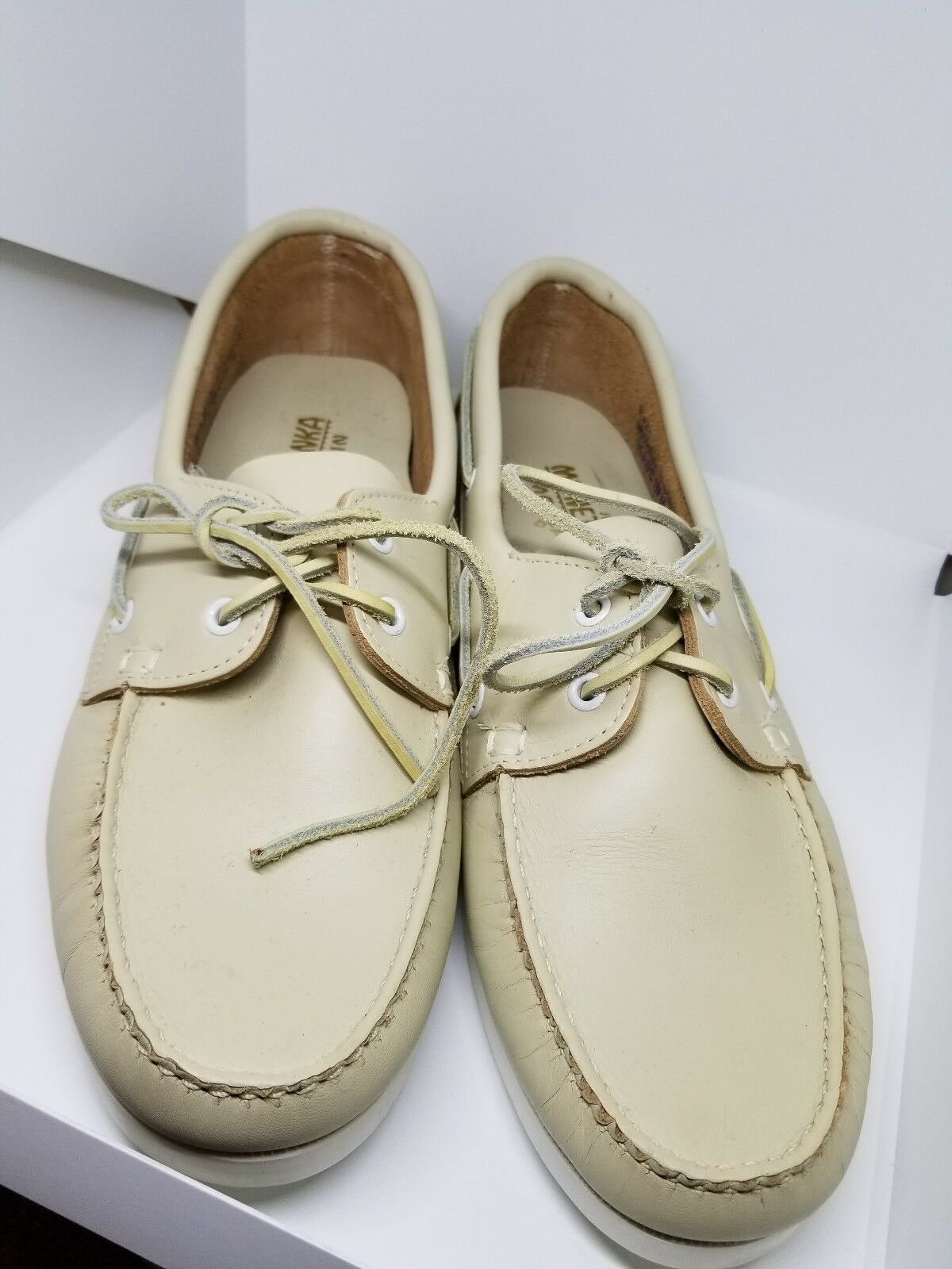 New MINNETONKA MOCCASIN cream Leather 11 Boat Shoes Men's Sz. 11 Leather 463725