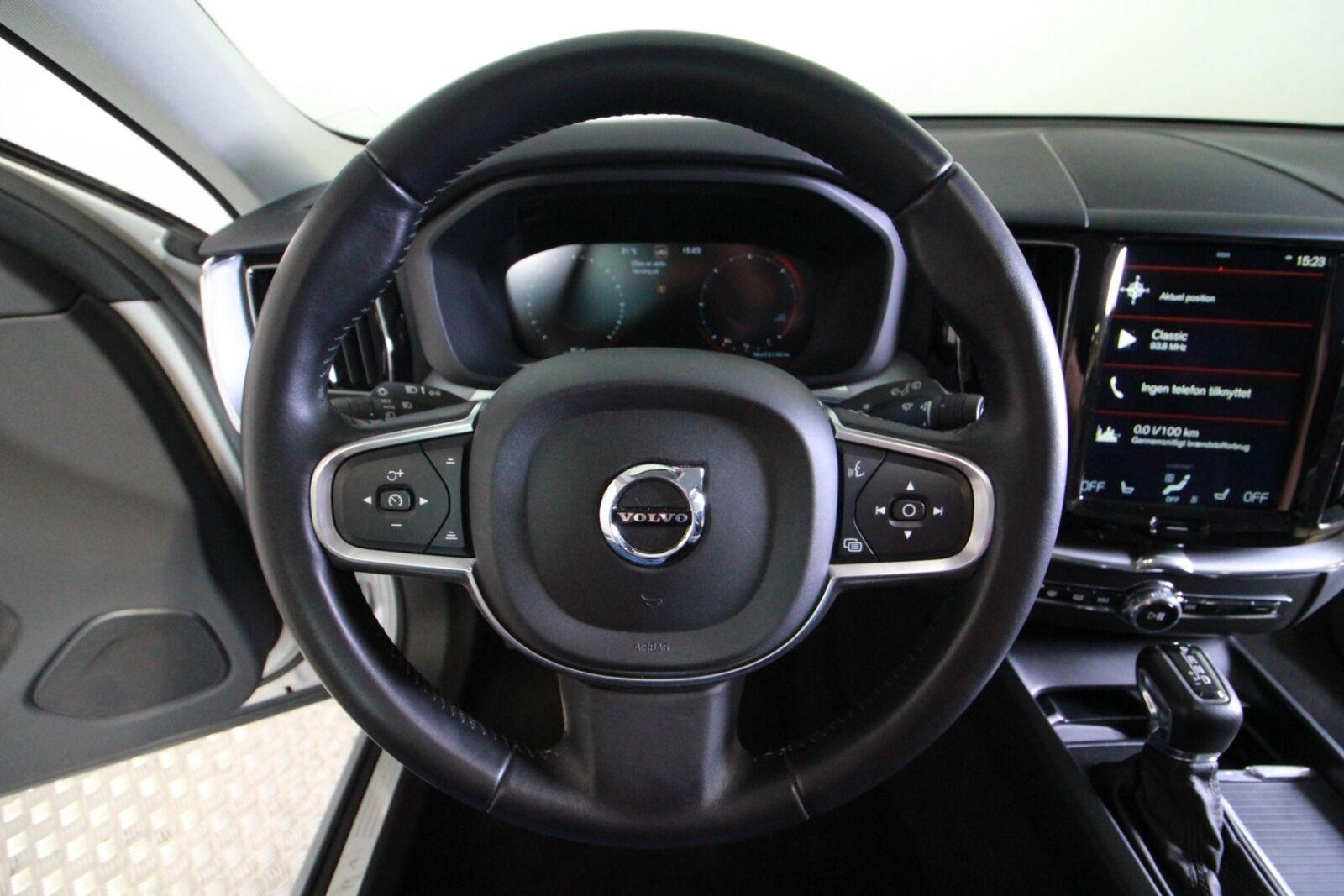Volvo XC60 D5 235 Momentum aut. AWD
