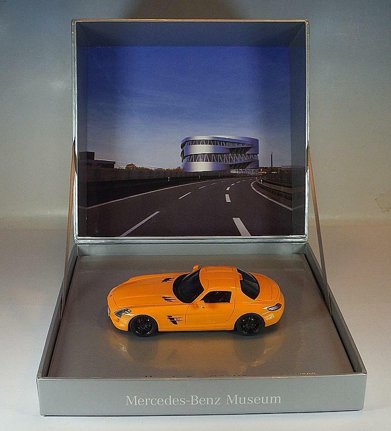 Minimax 1 43 MERCEDES BENZ SLS AMG Orange Spécial Modèle  1 500 neuf dans sa boîte  3606  gros prix discount