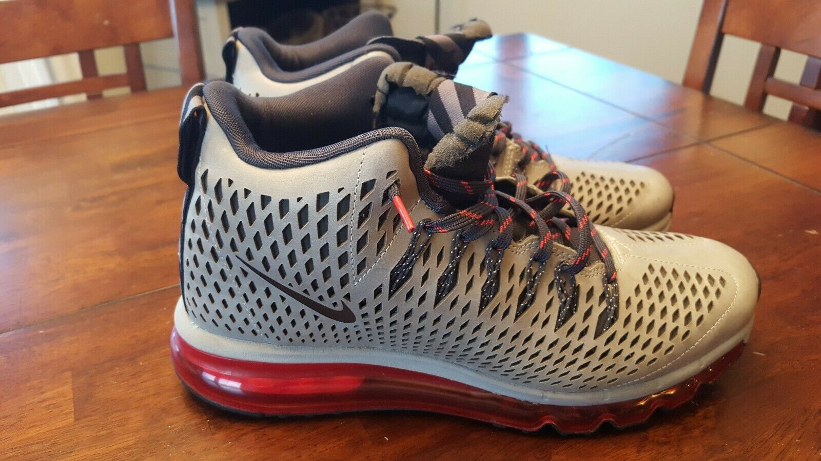 Nike Air Max Graviton Red Athletic shoes Silver Sneakers 616045-006 Mens Sz 9.5
