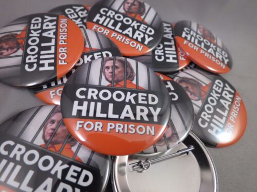 WHOLESALE LOT OF 12 CROOkED HILLARY FOR PRISON BUTTONS TRUMP PRESIDENT 2016 USA