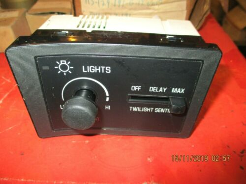CADILLAC-DEVILLE,SEVILLE 1994-1995--NEW OEM Headlight Switch DS-728- 3540164