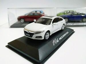 1-43-Scale-10th-Generation-Honda-All-New-Accord-2018-White-Diecast-model