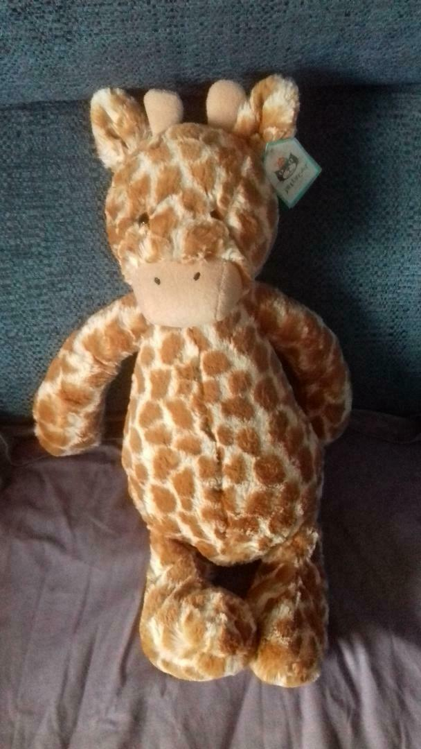 Large Bashful giraffel soft toy by Jellycat - Brand new with tag
