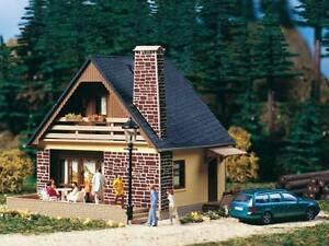 Auhagen-H0-11377-Haus-Katrin-Bausatz